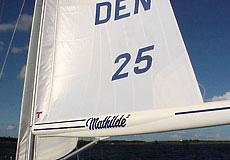 カーボンやグラスのコンポジットブーム 33フィートから60フィート艇に対応可能